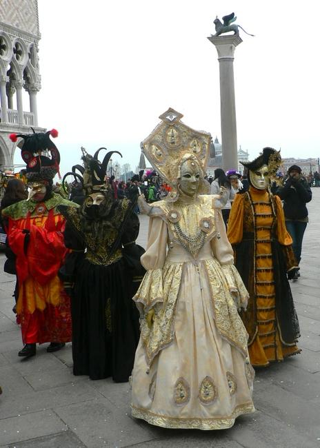 LES COSTUMES DU CARNAVAL DE VENISE 2013 dans 02 Venise : évenements 011
