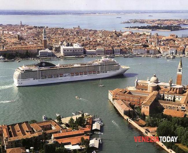 01-navi crociera venezia-2
