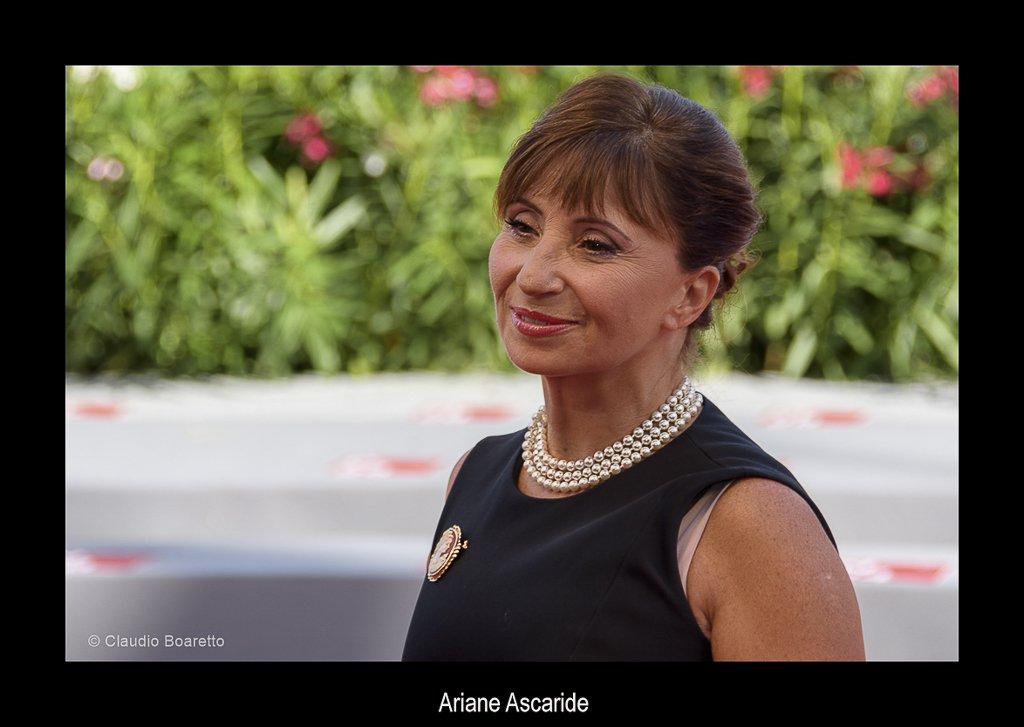49-Ariane Ascaride-PS