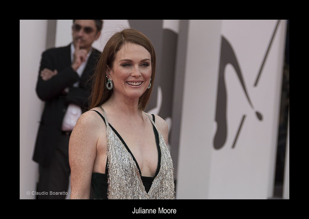 51b-Julianne Moore-PS